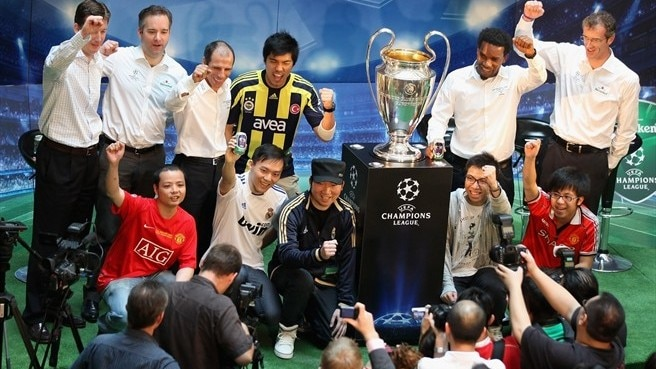 2012 Trophy Tour goes intercontinental