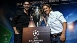 Fernando Hierro (left) and Míchel Salgado with the silverware during the UEFA Champions League Trophy Tour visit to Buenos Aires