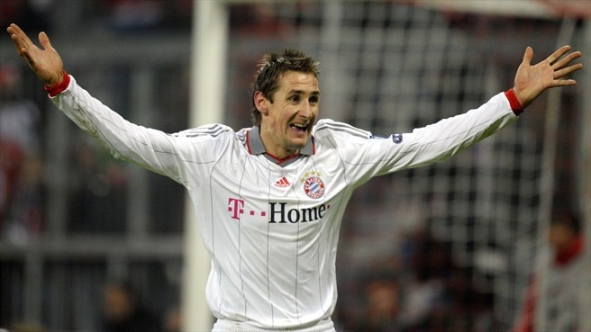 Klose header gives Bayern the edge