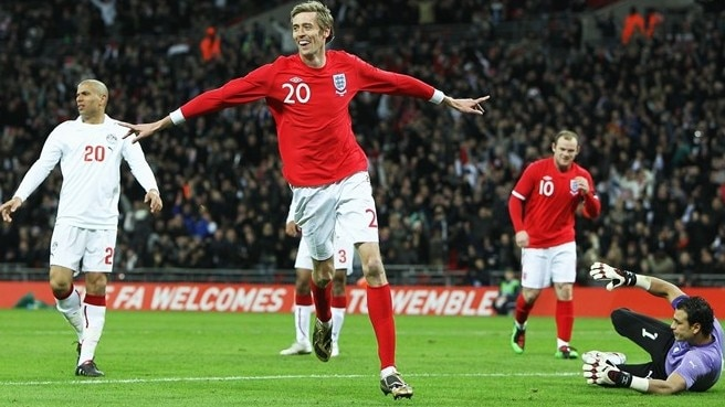 England in fine fettle thanks to Crouch