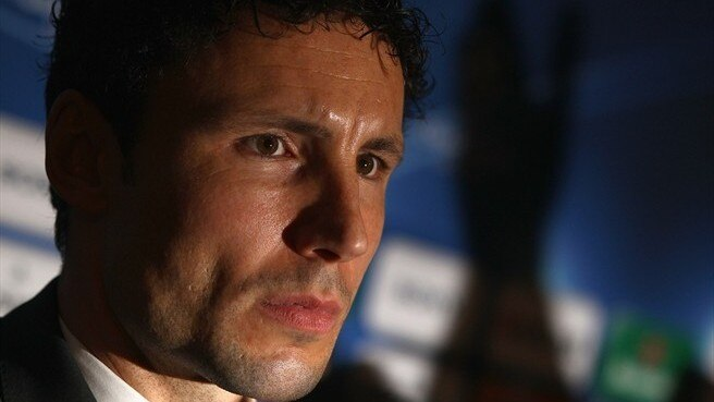 Expectation weighs on Van Bommel
