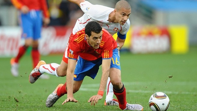Gökhan Inler (Switzerland) & Sergio Busquets (Spain)