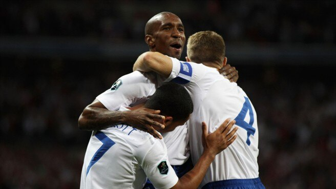 Defoe hat-trick helps England defeat Bulgaria