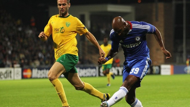 Anelka proves central to Chelsea win