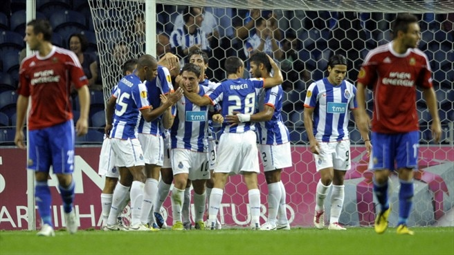Impressive Porto power past Rapid
