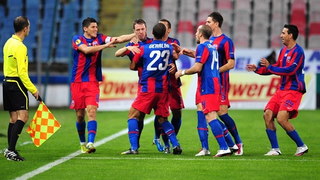 Steaua and Liverpool eye last-32 places
