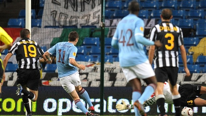 Johnson strikes as Manchester City hold Juventus