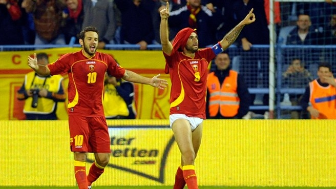 Vučinić downs Swiss as Montenegro march on