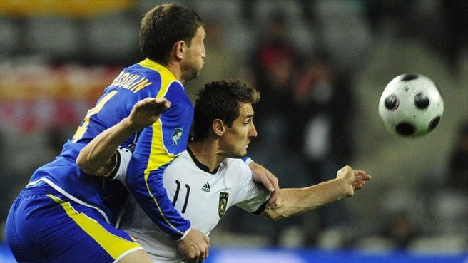 Klose and Van Bommel miss visit of CFR