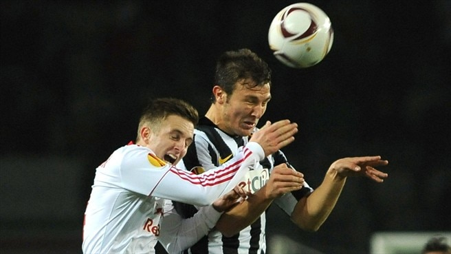 Juve and Salzburg draw but lose ground