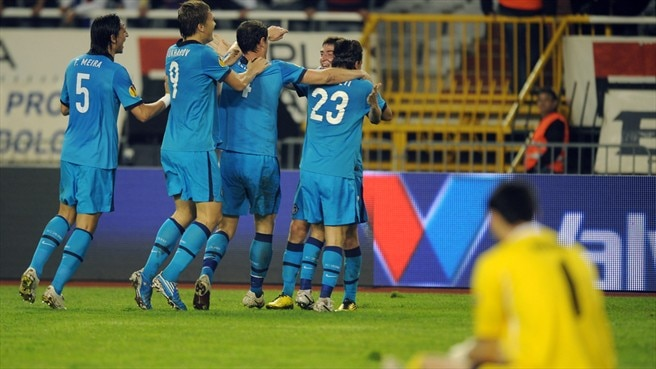 Zenit hang on at Hajduk to reach last 32