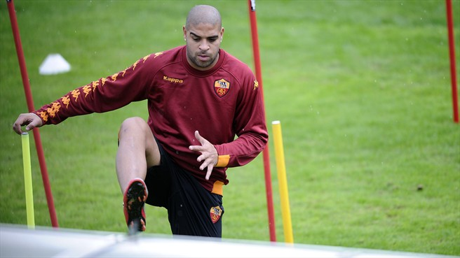 Roma's Adriano out for a month
