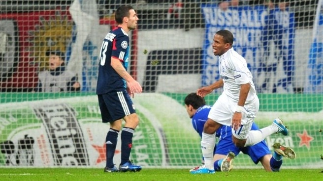 Farfán and Huntelaar hail Schalke progress