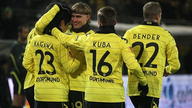 Dortmund beat Karpaty to set up Sevilla decider