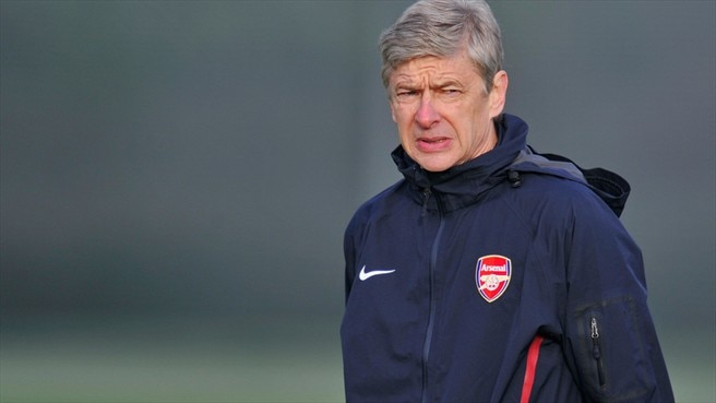 Arsenal sign young striker Miyaichi