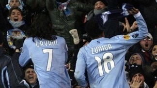 Cavani's Napoli rewarded for 'daring to dream'