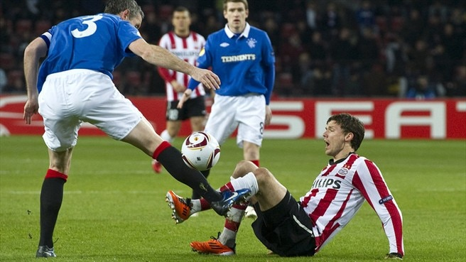 Rangers stand firm to keep PSV at bay