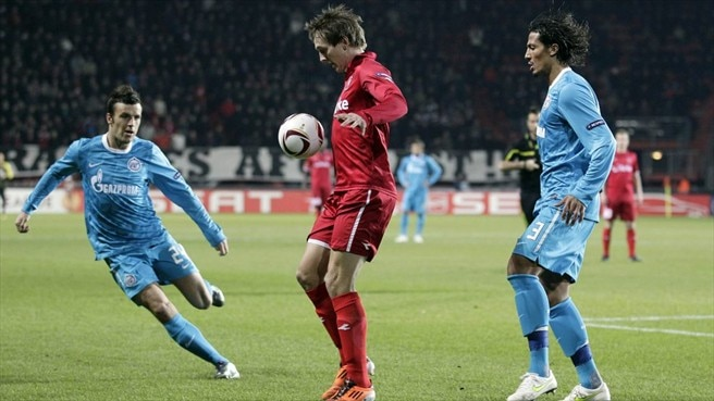 Twente keeper praises 'unbelievable' De Jong