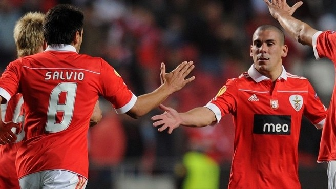 Jara's late show edges Benfica past PSG