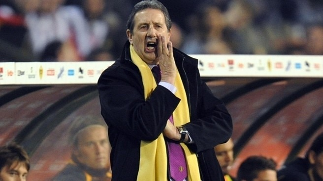 Belgium coach Leekens extends contract