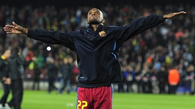 Barcelona's Abidal touched by Camp Nou ovation