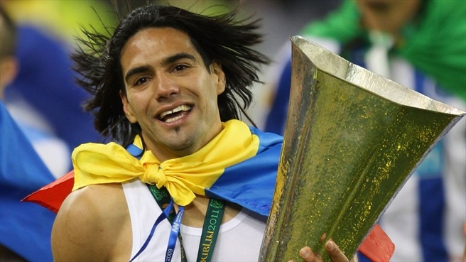 Atlético push the boat out for Falcao and Micael