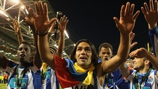 Falcao pays tribute to Porto's support act