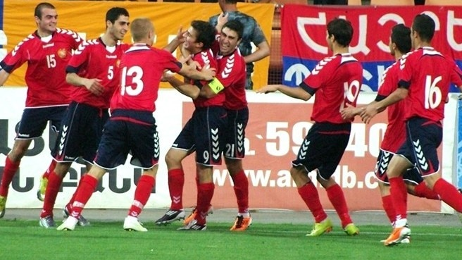 Ten-man Armenia overcome Montenegro