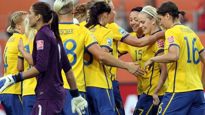 Sweden edge out United States to top Group C