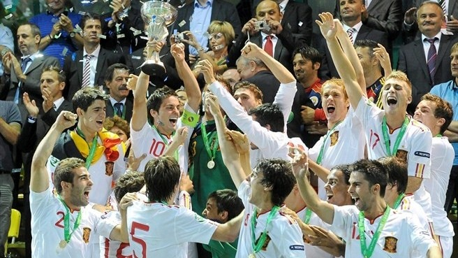 Holders Spain handed Portugal challenge