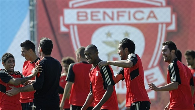 Twente buoyant but Benfica vow to be bold