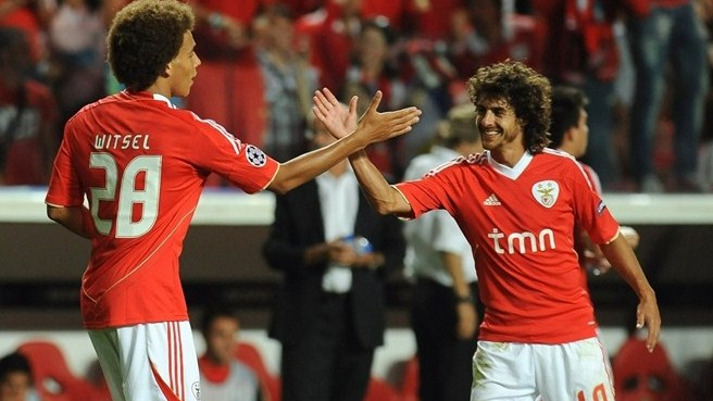 Witsel delivers as Benfica oust Twente