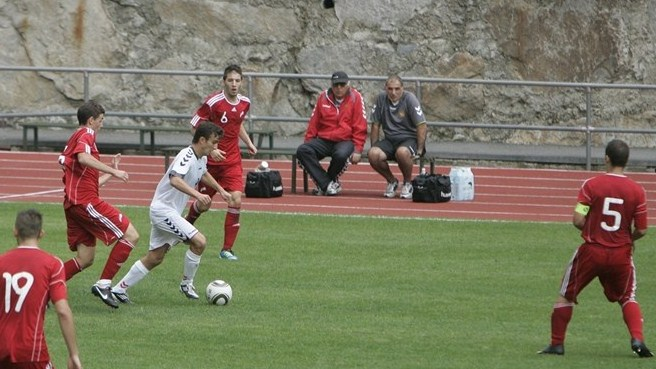 Armenia beat Andorra to maintain fine start