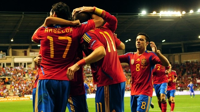 Spain seek perfect home record against Scots