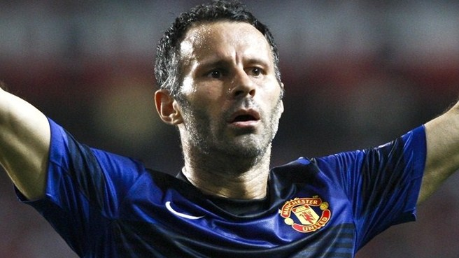 Giggs takes United career into 23rd season