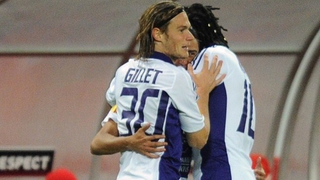 Clinical Anderlecht punish wasteful Lokomotiv