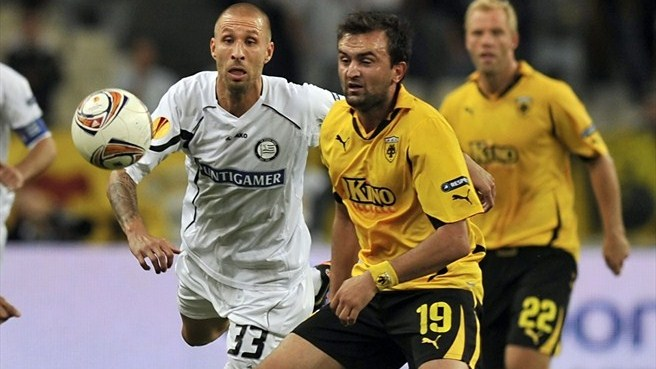 Sturm hit back to defeat ten-man AEK Athens