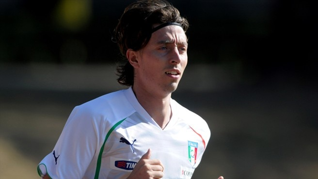 Montolivo and Traoré join Milan on free transfers