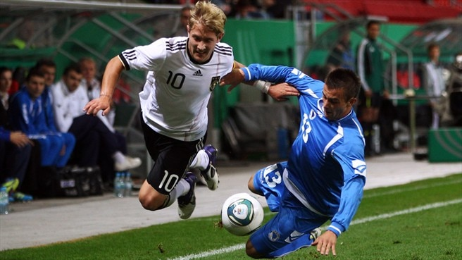 Lewis Holtby (Germany) & Senad Husić (Bosnia and Herzegovina)