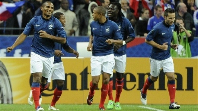 France edge closer with Albania win