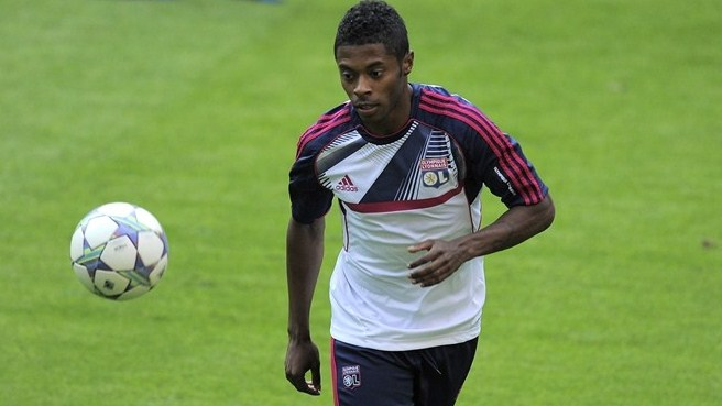 Lyon lose Bastos and Vercoutre for Madrid return