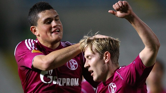 Schalke strike five in record win at AEK Larnaca