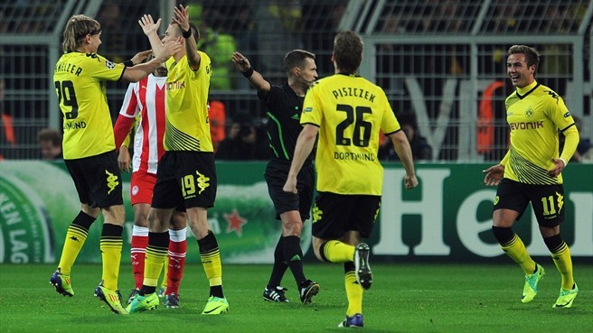Dortmund down Olympiacos to revive hopes
