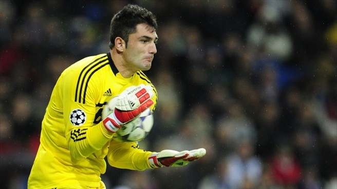 Adán makes Betis move, Paulão faces lay-off