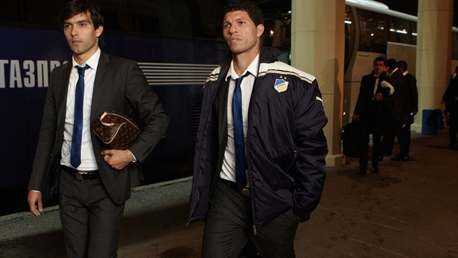 APOEL FC players arrive