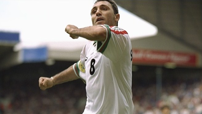 Stoichkov strike puts Romania out