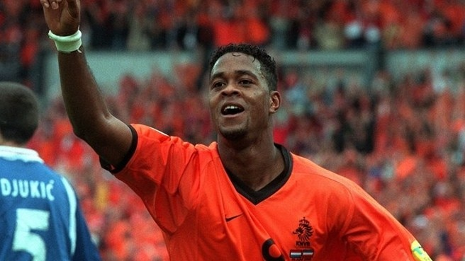 Kluivert stars as Oranje leave Yugoslavia in shade