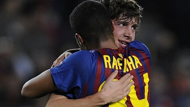 Youthful Barcelona breeze past BATE