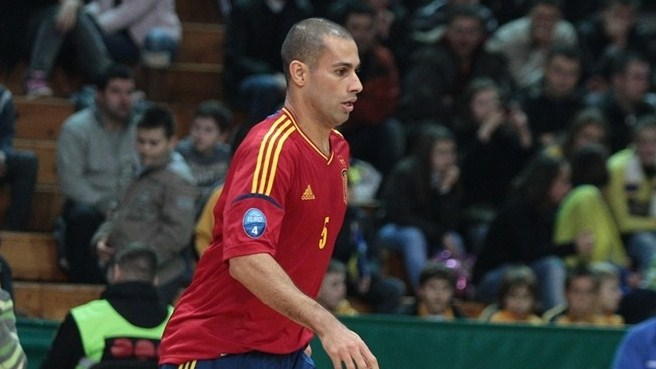 Spain switch Miguelín for injured Fernandao