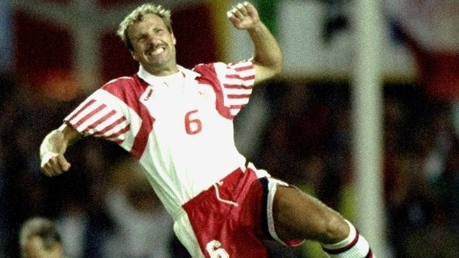 Schmeichel helps Denmark down Netherlands